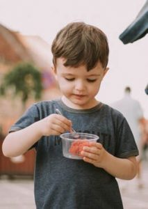 Boy eating #supportingapickyeater #supportingafussyeater #pickyeater # pickyeating #helppickyeater #helpfussyeater #helpingpickyeater #helpingfussyeater #helppickyeating #helpfussyeating #fussyeating #judithyeabsley #fussyeater #theconfidenteater #addingfoods #wellington #NZ #5weekprogram