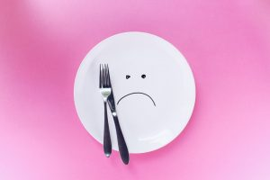 Unhappy plate Fussy eating help. Plan C. #helpforpickyeaters #helpforpickyeating #Foodforpickyeaters #theconfidenteater #wellington #NZ #judithyeabsley #helpforfussyeating #helpforfussyeaters #fussyeater #fussyeating #pickyeater #picky eating #supportforpickyeaters #theconfidenteater #creatingconfidenteaters #newfoods #bookforpickyeaters