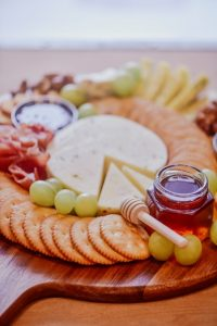Surviving Christmas with a picky eater. Top 10 tips. Cheese & crackers #WinnerWinnerIEatDinner #helpforpickyeaters, #helpforpickyeating, #Foodforpickyeaters, #theconfidenteater, #wellington, #NZ, #judithyeabsley, #helpforfussyeating, #helpforfussyeaters, #fussyeater, #fussyeating, #pickyeater, #picky eating, #supportforpickyeaters, #theconfidenteater, #winnerwinnerIeatdinner, #creatingconfidenteaters, #newfoods, #bookforpickyeaters, #thecompleteconfidenceprogram, #thepickypack