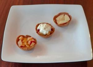Apple tarts – for fussy eaters #appletart, #applerecipesforfussyeaters, #applerecipesforpickyeaters, #coleslaw, #carrotcoleslaw #carrotrecipes, #trynewfoods, #funfoodsforpickyeaters, #funfoodsdforfussyeaters, #Recipesforpickyeaters, #helpforpickyeaters, #helpforpickyeating, #Foodforpickyeaters, #theconfidenteater, #wellington, #NZ, #judithyeabsley, #helpforfussyeating, #helpforfussyeaters, #fussyeater, #fussyeating, #pickyeater, #pickyeating, #supportforpickyeaters, #winnerwinnerIeatdinner, #creatingconfidenteaters, #newfoods, #bookforpickyeaters, #thecompleteconfidenceprogram, #thepickypack